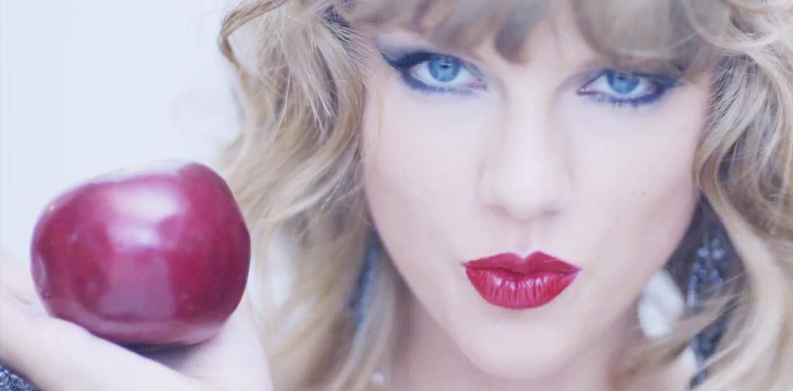 Taylor Swift promotes artist compensation